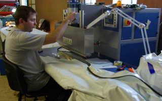 Какое оборудование для натяжных потолков используется при производстве материала и для его монтажа